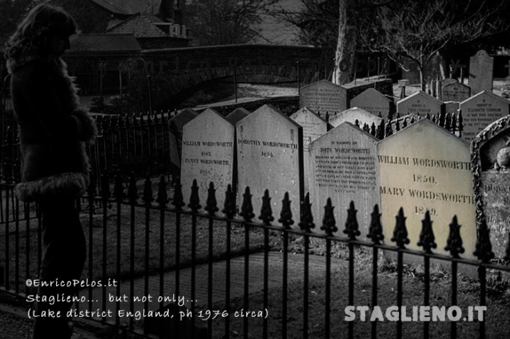english cemeteries 1976 - wardsworth grave with woman - ph enrico pelos