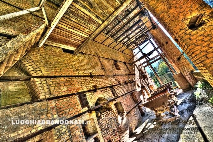 LUOGHI ABBANDONATI - ABANDONED PLACES http://www.enricopelos.it http://www.luoghiabbandonati.it https://www.facebook.com/LuoghiAbbandonatiAbandonedPlacesByEnricoPelos © Enrico Pelos | enricopelos.it write to the Enrico Pelos enricopelos@alice.it for the use of these photos scrivere a Enrico Pelos enricopelos@alice.it per l'uso di queste foto