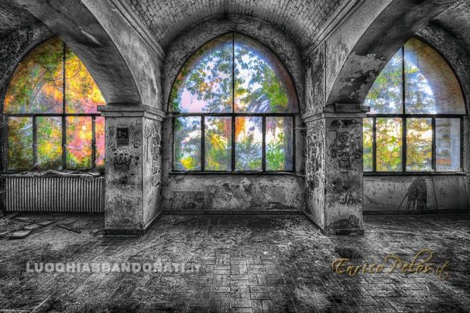 luoghi abbandonati abandoned places welcome to the jungle 5865 - ph (c) enrico pelos.jpg