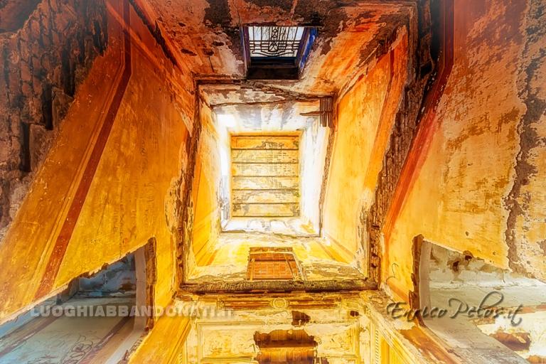luoghi abbandonati ville abbandonate abandoned villas atmosfera escher 2 atmosphere 8837 - ph (c) enrico pelos.jpg