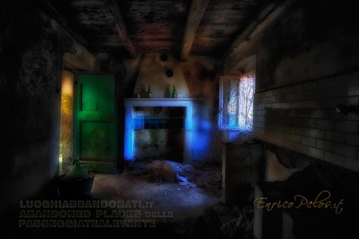 luoghi-abbandonati-paese-della-casa-delle-bambole-6068-ph-enricopelos